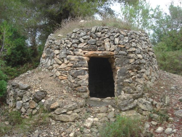 Wikipedranow has over 10,000 dry stone shelters and huts